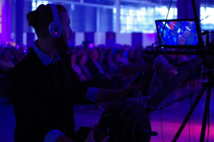 filmowe piosenki otwarcie arena festival